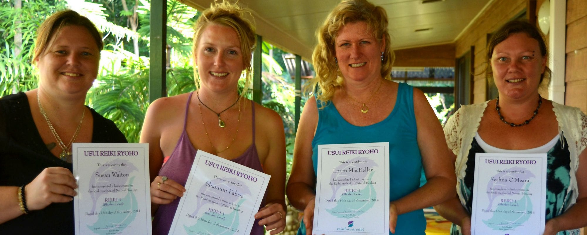 Group of students graduate from Reiki 1 in Cairns with Julie Heskins
